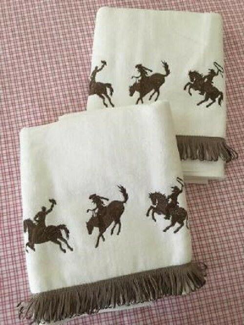 AVANTI HORSE SET NWOT