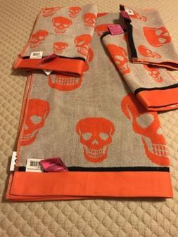 Betsey Johnson set Crazy Skull Bath Towels Orange, Black, An